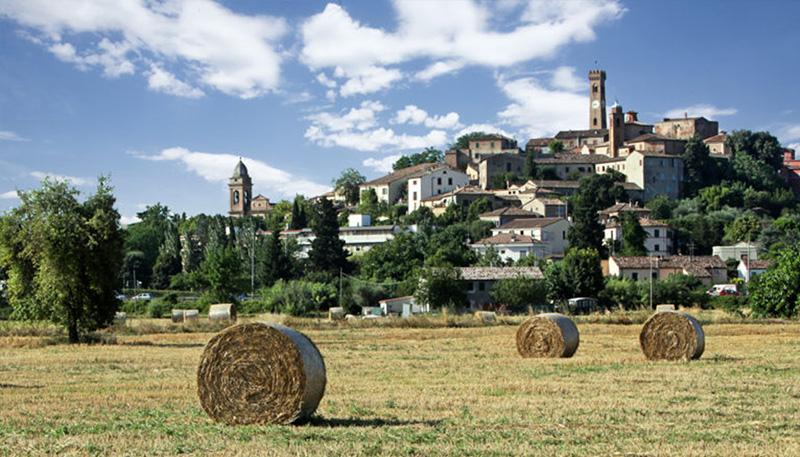 Pacchetto sosta camper, esperienze Romagna BORGO + E-BIKE + MARE