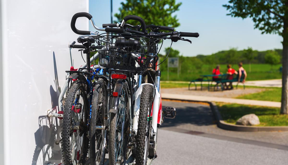 Viaggi in camper in bici con Camper2Go